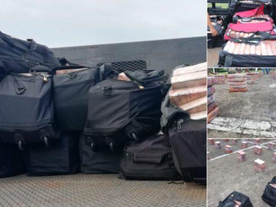 Senan incauta 1,517 paquetes de droga dentro de contenedor en Colón
