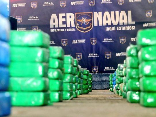 Cuatro aprehendidos por incautación de 1,055 paquetes de droga en Colón