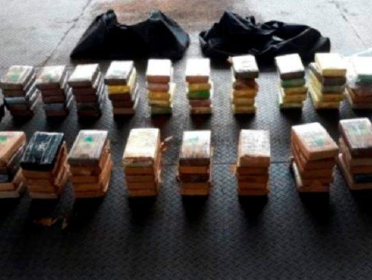 Incautan 99 paquetes con droga en el puerto de Balboa