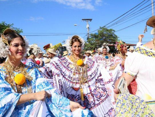 Desfile de las Mil Polleras se realizará en Las Tablas como lo establece la Ley