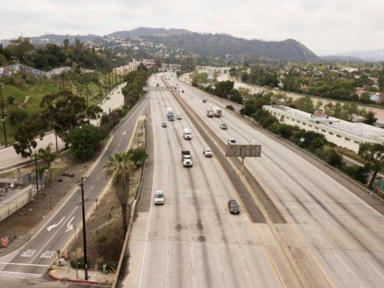 """Distanciamiento social temprano en California """"hizo la diferencia"""" con COVID-19"""