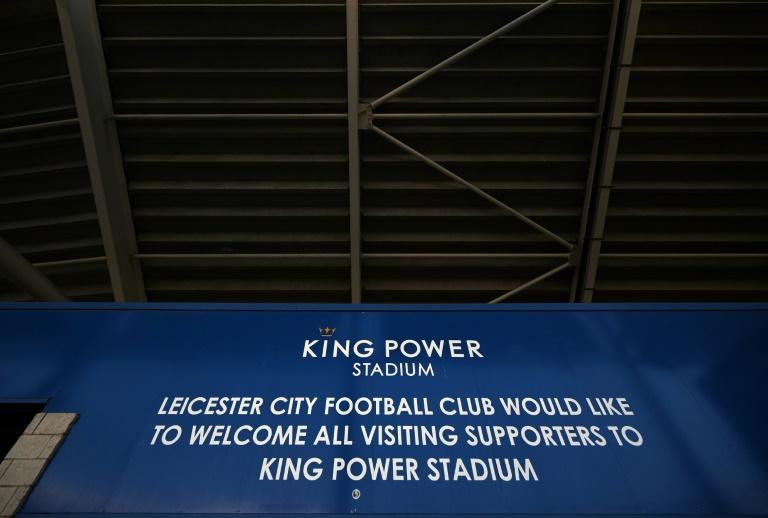 Con solo seis positivos, la Premier League limita riesgos
