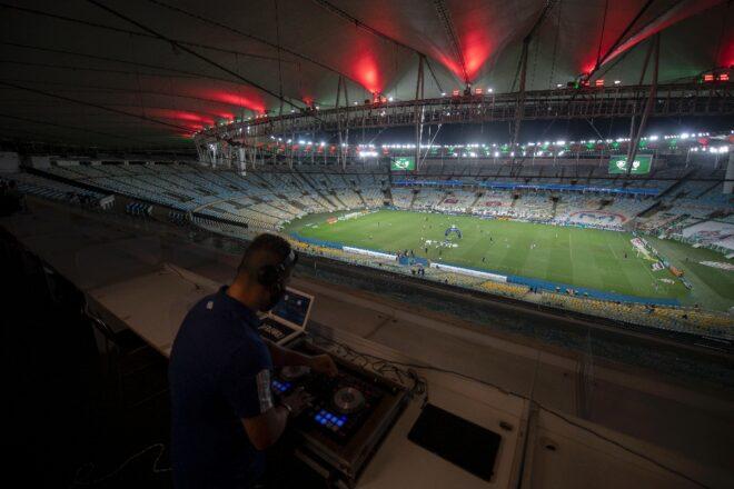 Los DJ, de la discoteca al estadio para animar los partidos sin público
