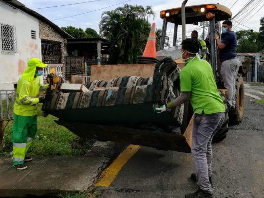 Inicia operativo de limpieza y recolección de enseres en Pedregal