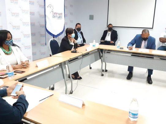 Pescadores, Mida y Arap firman acuerdo para entablar mesa de diálogo