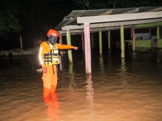 Se desborda el río Chico en Natá causando afectaciones