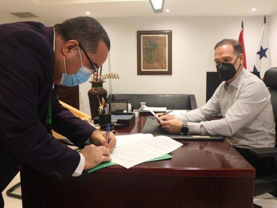 Minsa notifica al PRD sobre sanción de $50 mil, tras reunión en un restaurante