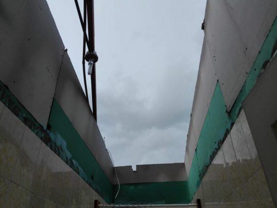 Fuertes lluvias en el oeste causan daños a una vivienda en Veracruz
