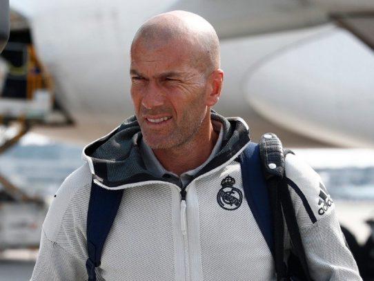 El Real Madrid empieza con tres centrales ante el Chelsea