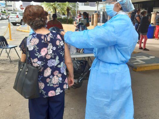 Minsa y CSS han colocado más de un millón de vacunas contra la influenza en el país