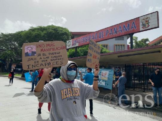 Protestan para hacer un llamado por la situación económica en el país en medio de la pandemia