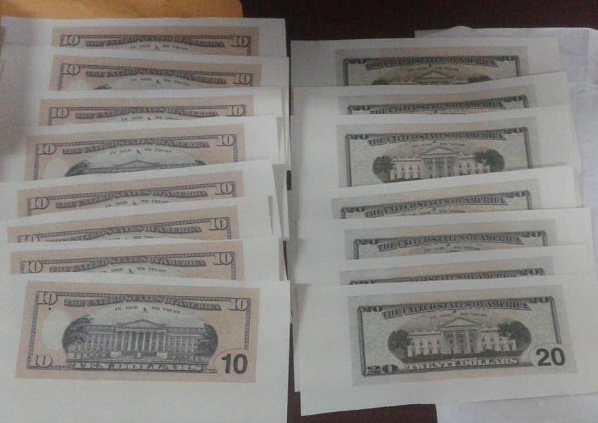 Incautan dispositivos tecnológicos utilizados para confeccionar billetes falsos