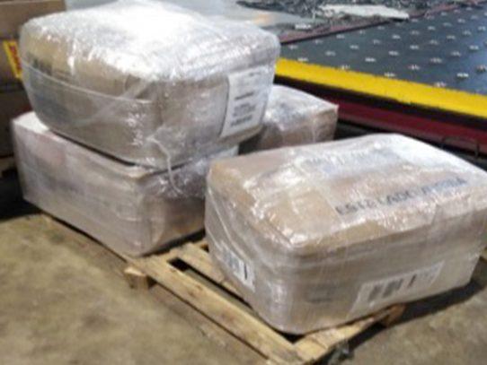 Aduanas retiene 693 piezas de mercancía variada de presunto contrabando
