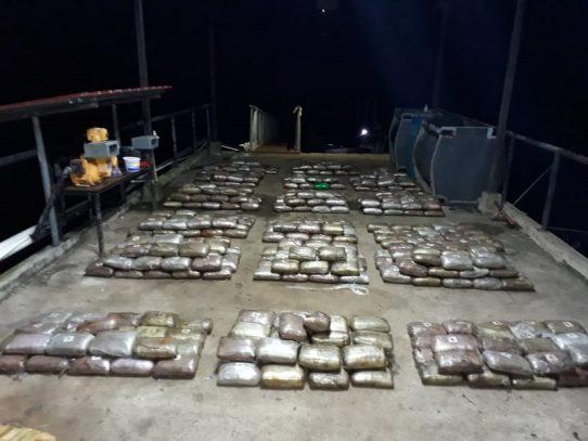 Decomisan 963 paquetes con droga al sur de Punta Burica