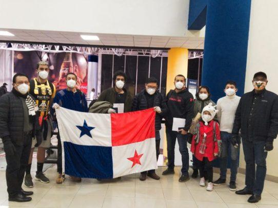 Connacionales retornan al país desde Bolivia
