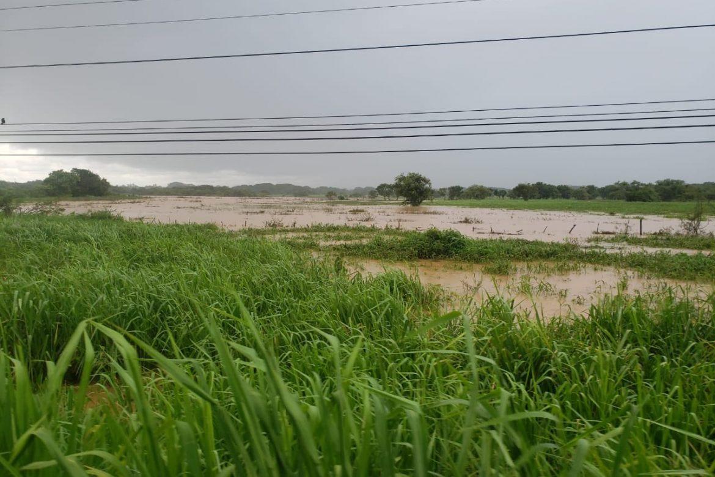 Se desborda el río Pocrí próximo a la vía panamericana en Coclé