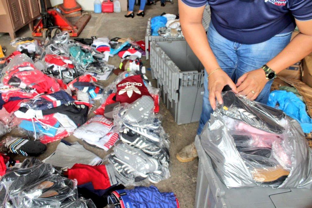 Aduanas retiene mercancía presuntamente falsificada