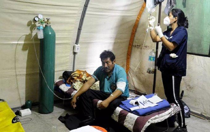 """""""Ángeles"""" voluntarios atienden a pacientes con coronavirus en Bolivia"""