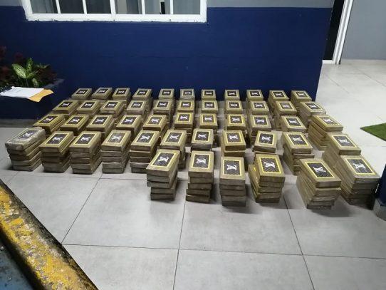 Ubican 250 paquetes de presunta droga en Costa Del Este