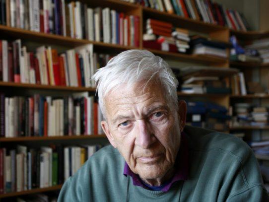 """Muere a los 85 años el escritor sueco Per Olov Enquist, """"biógrafo de las sombras"""""""