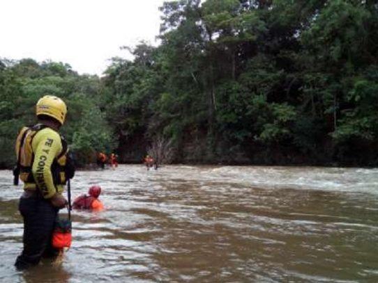 Trece personas desaparecidas tras la crecida de un río en Veraguas