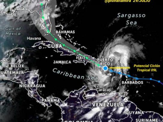 Florida cierra centros de prueba de covid-19 y Puerto Rico declara emergencia por tormenta
