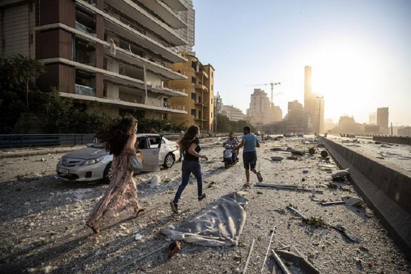 """""""Muertos y heridos"""" en las explosiones de fábrica de fuegos artificiales en Beirut"""
