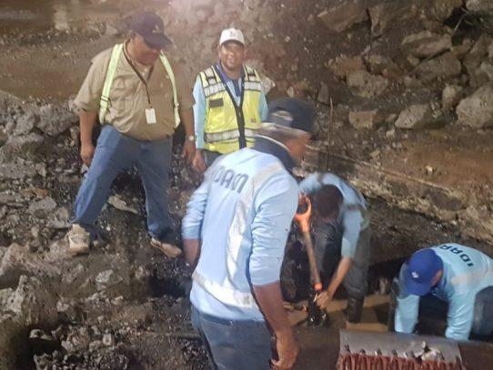 Sectores de la capital sin agua por rotura de tubería en la vía Transístmica