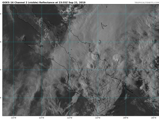 Lorena se degrada a tormenta tropical en el noroeste de México