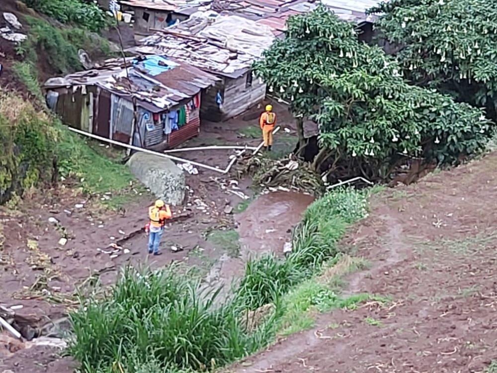 Cuatro viviendas afectadas por desbordamiento de una quebrada en Chiriquí