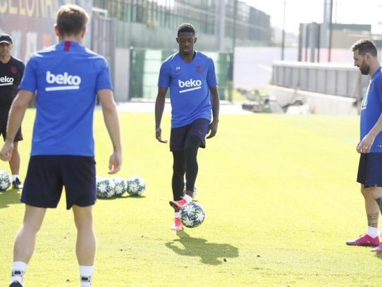 Dembélé será sometido a pruebas este domingo tras su problema en la rodilla
