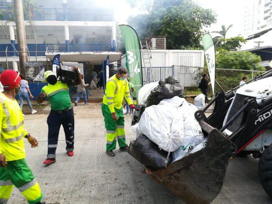 AAUD continúa operativo de limpieza en colegios de la capital