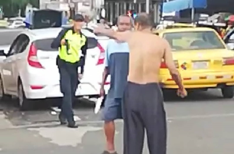 Sanción para el policía que no evitó riña en Avenida Cuba