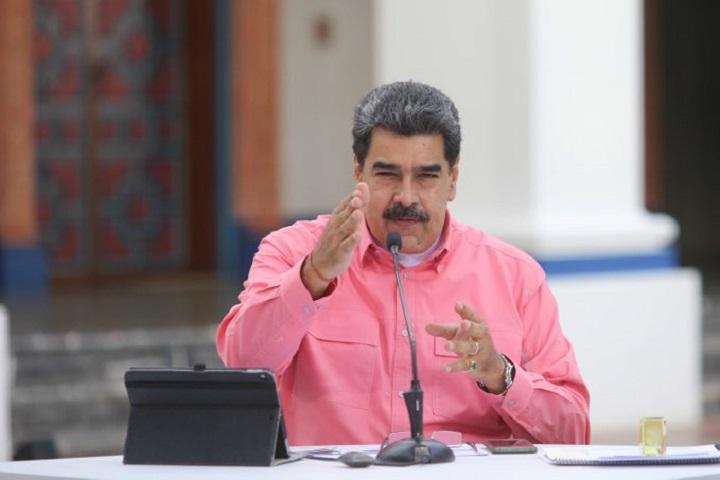 """Maduro dice que """"no se somete a chantajes"""" de EE.UU. que pide una negociación """"sincera"""" con la oposición"""