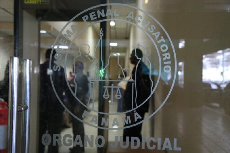 Admiten documentos en investigación al expresidente Juan C.  Varela