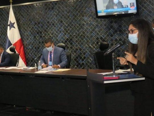 Pleno de la Asamblea cita al superintendente de bancos, Amauri Castillo