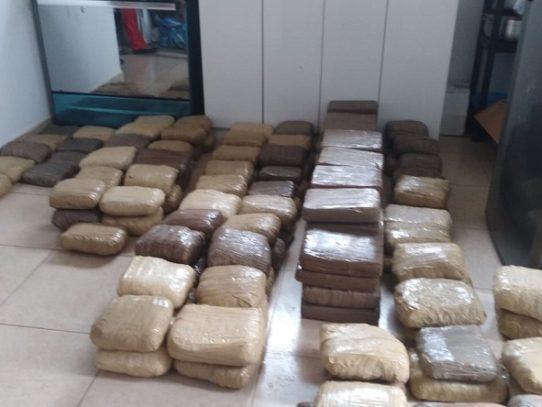 Decomisan 153 paquetes con droga en casa de exmiembro del Senan
