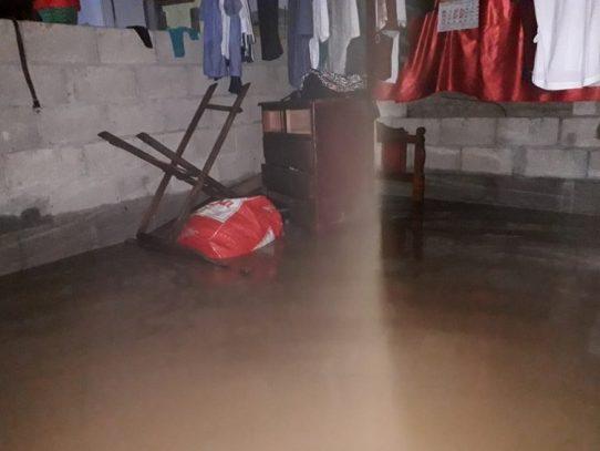 Deslizamientos y desbordamientos de quebradas en Bocas del Toro