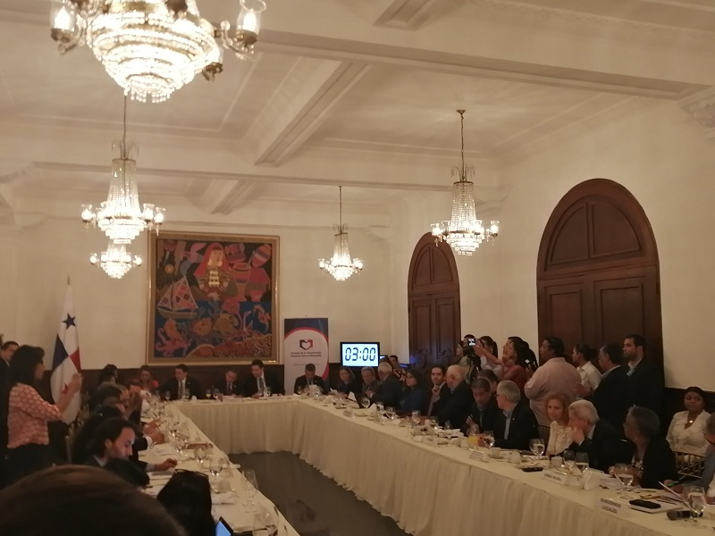 Ejecutivo presenta 20 recomendaciones al paquete de reformas a la Constitución