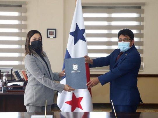 Toma posesión Alexis Alvarado como nuevo gobernador de Guna Yala