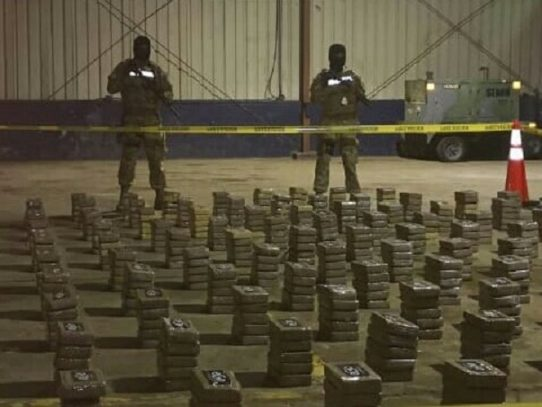 Decomisan 700 paquetes con droga en Punta Burica