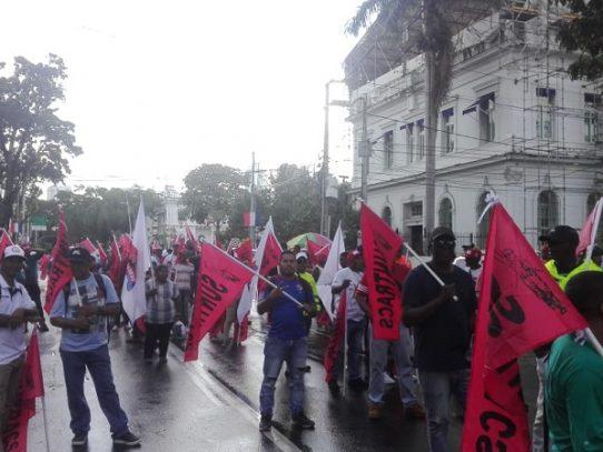 Educadores y Suntracs a las calles por reformas constitucionales