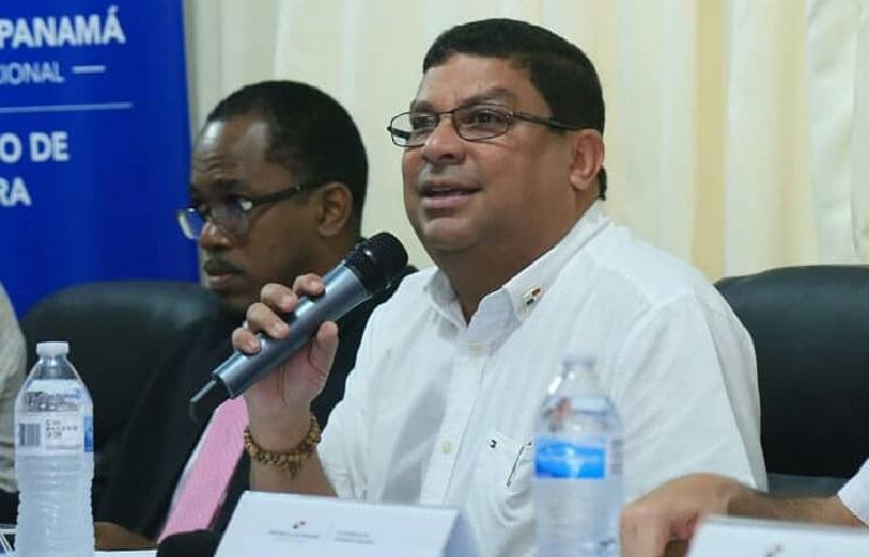 Ministro de Cultura pide retiro de proyecto 134 e insta al diálogo con los patronatos