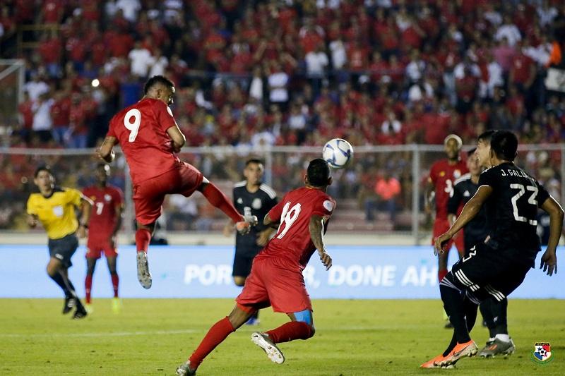 México clasifica a semis de Liga de naciones tras pasearse ante Panamá