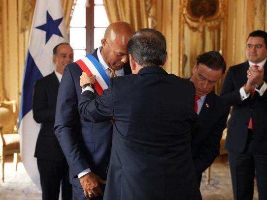 """Mariano Rivera recibe la condecoración """"Orden Belisario Porras"""""""