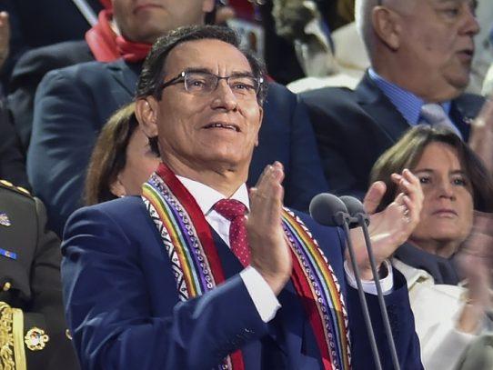 Popularidad del presidente peruano Vizcarra cae de 58% a 53%