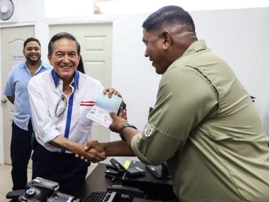Inauguran sede de pasaportes en Bocas del Toro