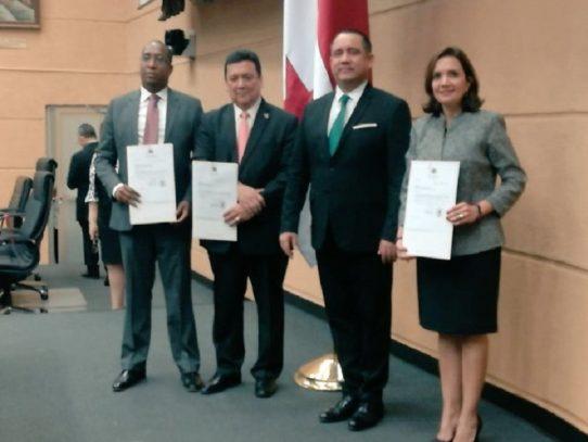 Pleno de la Asamblea ratifica a Eduardo Ulloa como Procurador de la Nación