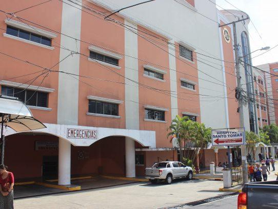 Hospital Santo Tomás suspende la consulta externa por aumento en casos de covid