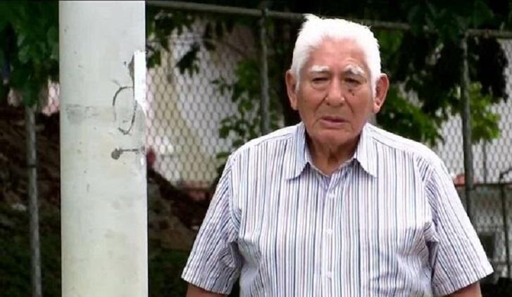 Fotógrafo peruano que captó históricas imágenes del 9 de enero es naturalizado panameño